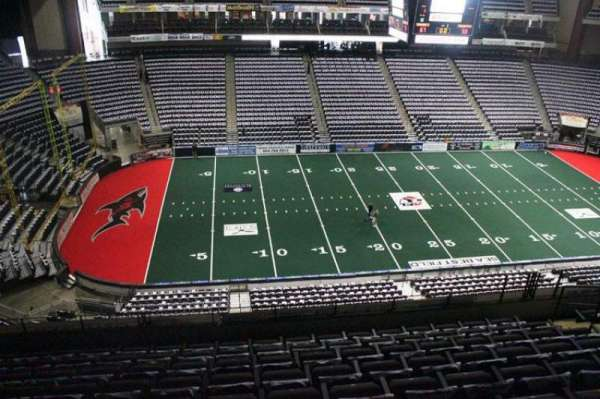 VyStar Veterans Memorial Arena, secção: 322, fila: F, lugar: 9