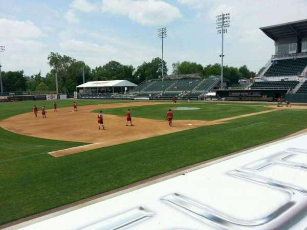 FNB Field, secção: 103, fila: 5, lugar: 14