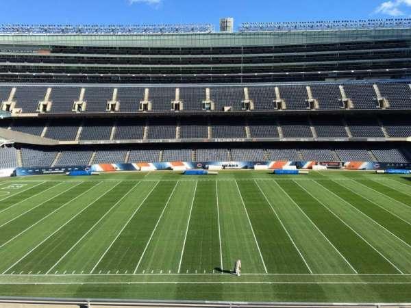 Soldier Field, secção: 338, fila: 6, lugar: 9