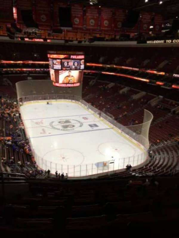 Wells Fargo Center, secção: 206, fila: 11, lugar: 6