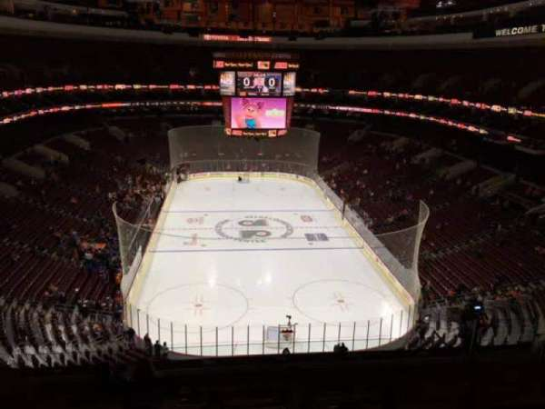 Wells Fargo Center, secção: 207, fila: 8, lugar: 11