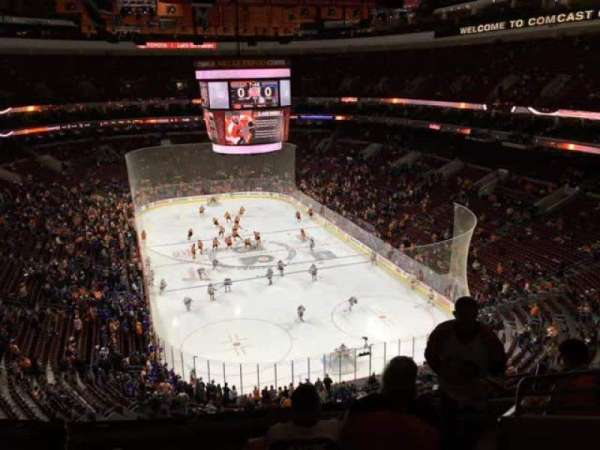Wells Fargo Center, secção: 206, fila: 8, lugar: 11