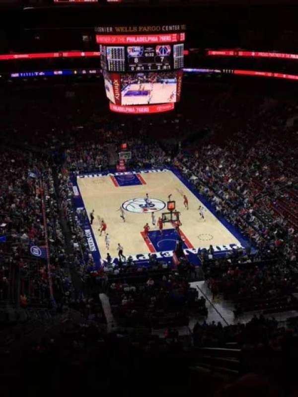 Wells Fargo Center, secção: 206, fila: 12, lugar: 15