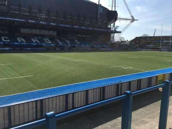 Cardiff Arms Park, secção: Standing 15, fila: 11