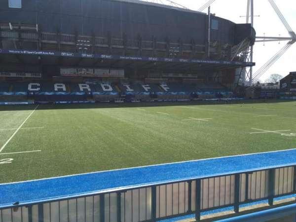 Cardiff Arms Park, secção: Standing 14, fila: 11, lugar: ga