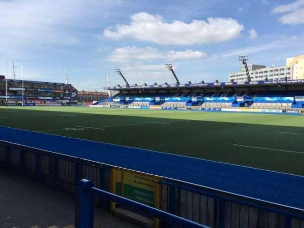 Cardiff Arms Park, secção: Standing 1, fila: 10