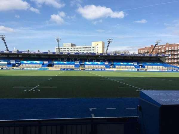 Cardiff Arms Park, secção: Standing 4, fila: 10