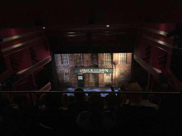 Adelphi Theatre, secção: Upper Circle, fila: K, lugar: 16