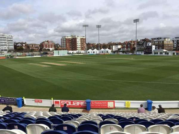 County Cricket Ground (Hove), secção: C, fila: Q, lugar: 50