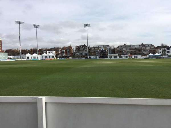 County Cricket Ground (Hove), secção: Grand Stand C, fila: A, lugar: 43