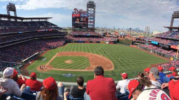 Citizens Bank Park, secção: 315, fila: 4, lugar: 20