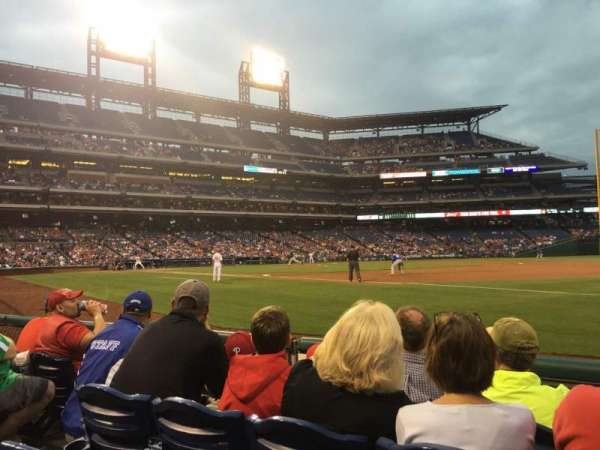 Citizens Bank Park, secção: 112, fila: 4, lugar: 14