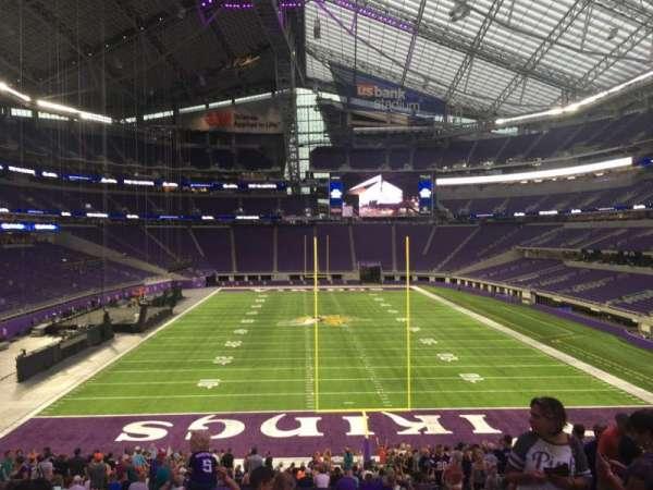 U.S. Bank Stadium, secção: 142, fila: 32, lugar: 8