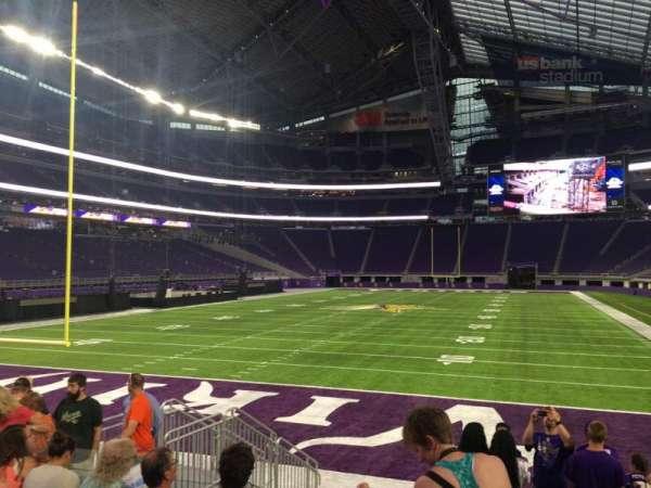 U.S. Bank Stadium, secção: 140, fila: 8, lugar: 12