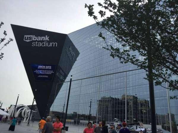 U.S. Bank Stadium, secção: Outside