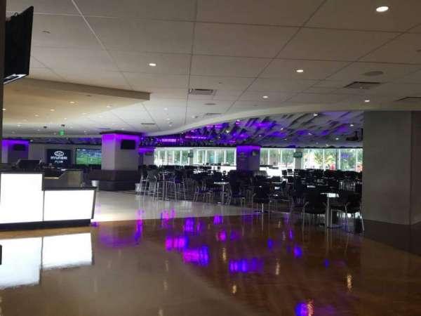 U.S. Bank Stadium, secção: Hyundai Club