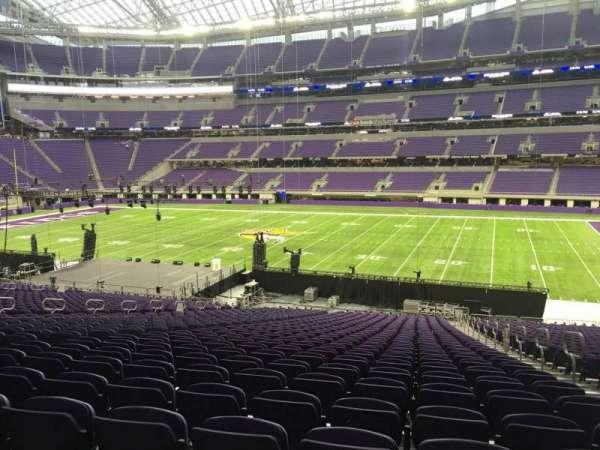 U.S. Bank Stadium, secção: 107, fila: 37, lugar: 3