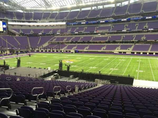U.S. Bank Stadium, secção: 106, fila: 34, lugar: 26