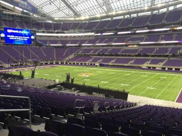 U.S. Bank Stadium, secção: 105, fila: 37, lugar: 7