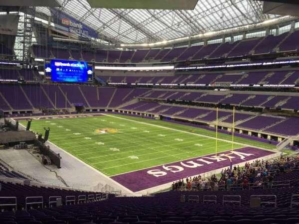 U.S. Bank Stadium, secção: 101, fila: 42, lugar: 17