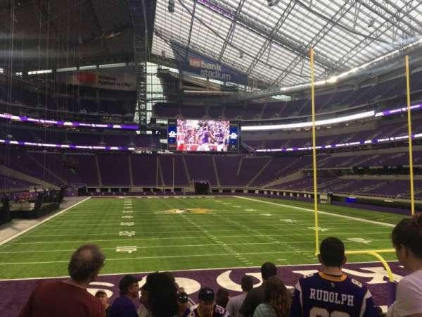 U.S. Bank Stadium, secção: 143, fila: 12, lugar: 1