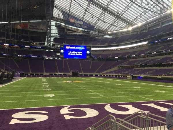 U.S. Bank Stadium, secção: 143, fila: 4, lugar: 5