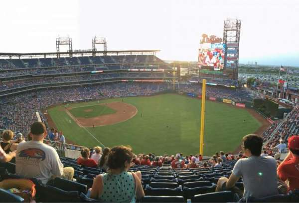 Citizens Bank Park, secção: 327, fila: 19, lugar: 15
