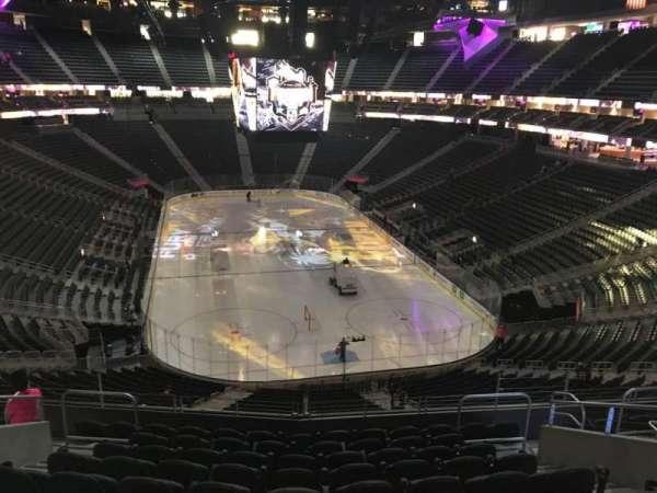 T-Mobile Arena, secção: 120, fila: K, lugar: 11