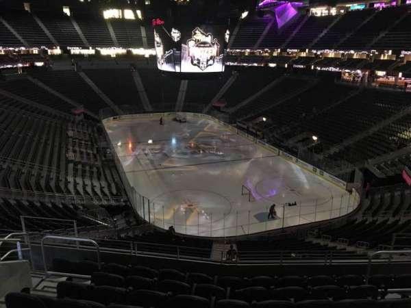 T-Mobile Arena, secção: 119, fila: H, lugar: 10