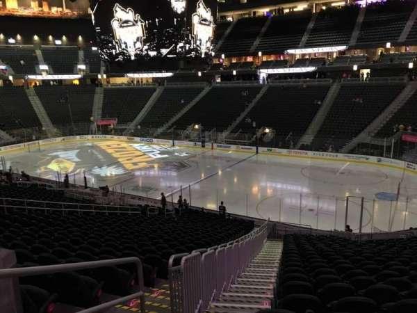 T-Mobile Arena, secção: 8, fila: Z, lugar: 1