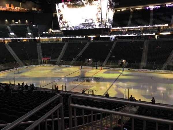 T-Mobile Arena, secção: 8, fila: Acc