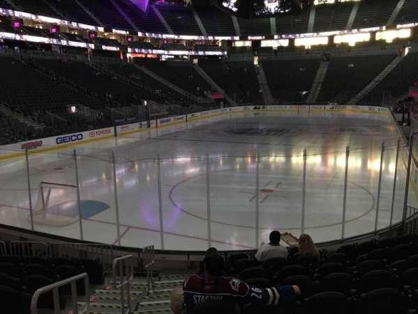 T-Mobile Arena, secção: 2, fila: J, lugar: 1