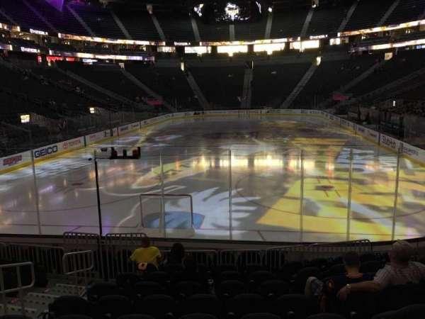 T-Mobile Arena, secção: 1, fila: J, lugar: 5