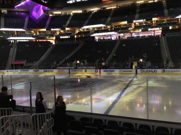 T-Mobile Arena, secção: 16, fila: D, lugar: 18