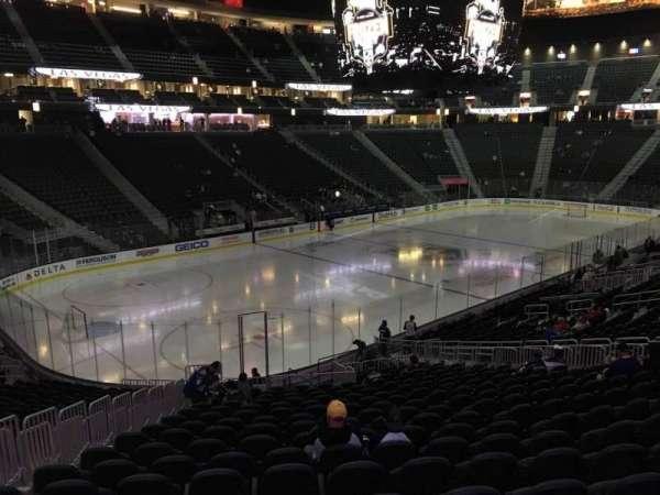 T-Mobile Arena, secção: 13, fila: W, lugar: 6
