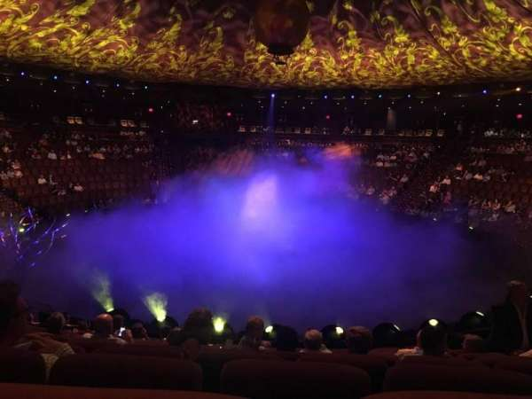 Wynn Theatre, secção: B, fila: J, lugar: 10