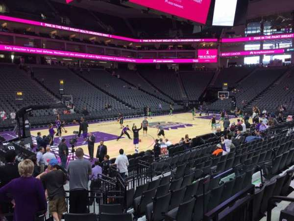 Golden 1 Center, secção: 110, fila: Ee, lugar: 4