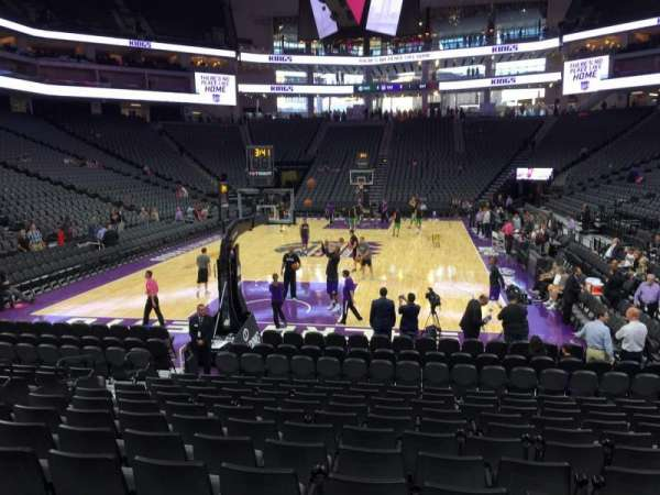 Golden 1 Center, secção: 113, fila: Ff, lugar: 16