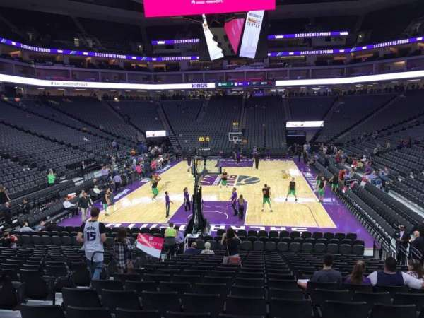 Golden 1 Center, secção: 126, fila: H, lugar: 8