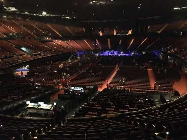 The Forum, secção: 102, fila: 14, lugar: 6