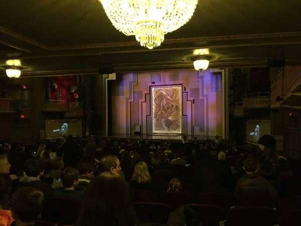 Lyric Theatre, secção: Orch Right, fila: Zz, lugar: 22