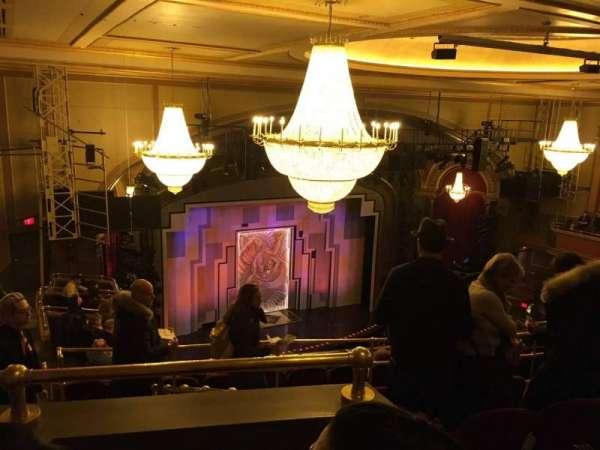 Lyric Theatre, secção: Balc L, fila: H, lugar: 27