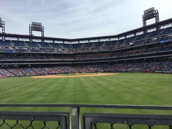Citizens Bank Park, secção: 147, fila: 4, lugar: 12