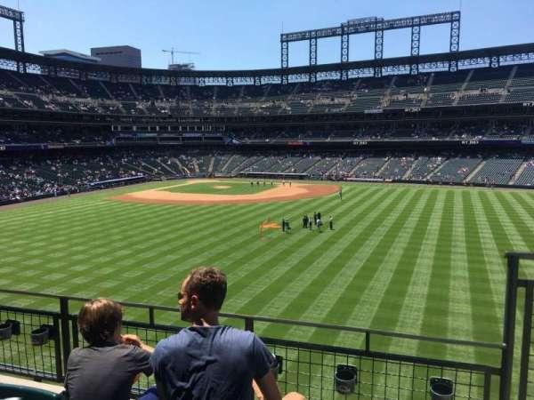 Coors Field, secção: 203, fila: 3, lugar: 4