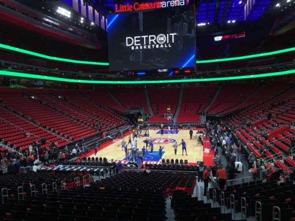 Little Caesars Arena, secção: 102, fila: 17, lugar: 6