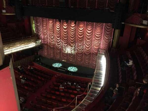 Folies Bergere, secção: Galerie, fila: A, lugar: 30