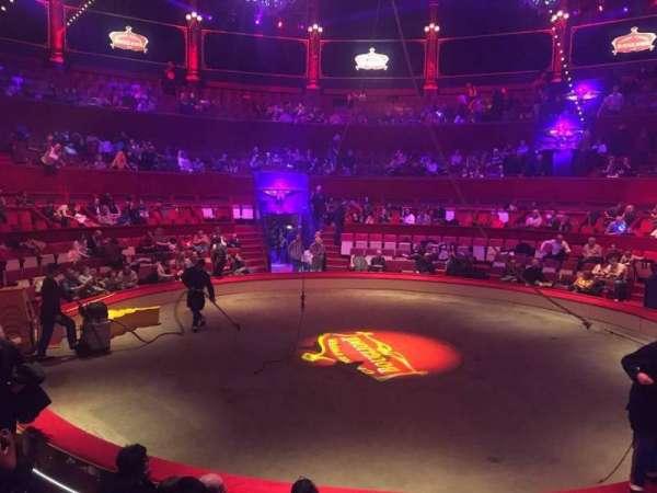 Cirque d'hiver, secção: Loge, fila: A, lugar: 71