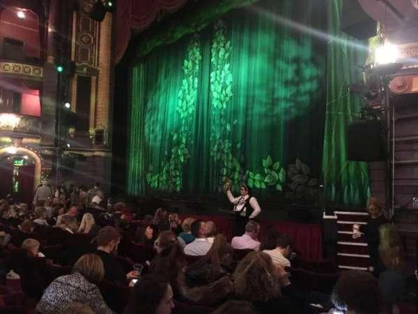 Palace Theatre (Manchester), secção: Stalls, fila: F, lugar: 6