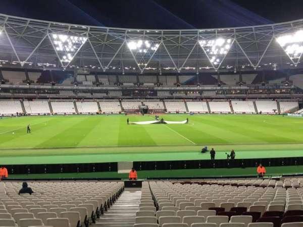 London Stadium, secção: 135, fila: 25, lugar: 383