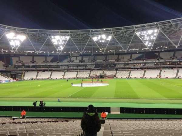 London Stadium, secção: 137, fila: 24, lugar: 133